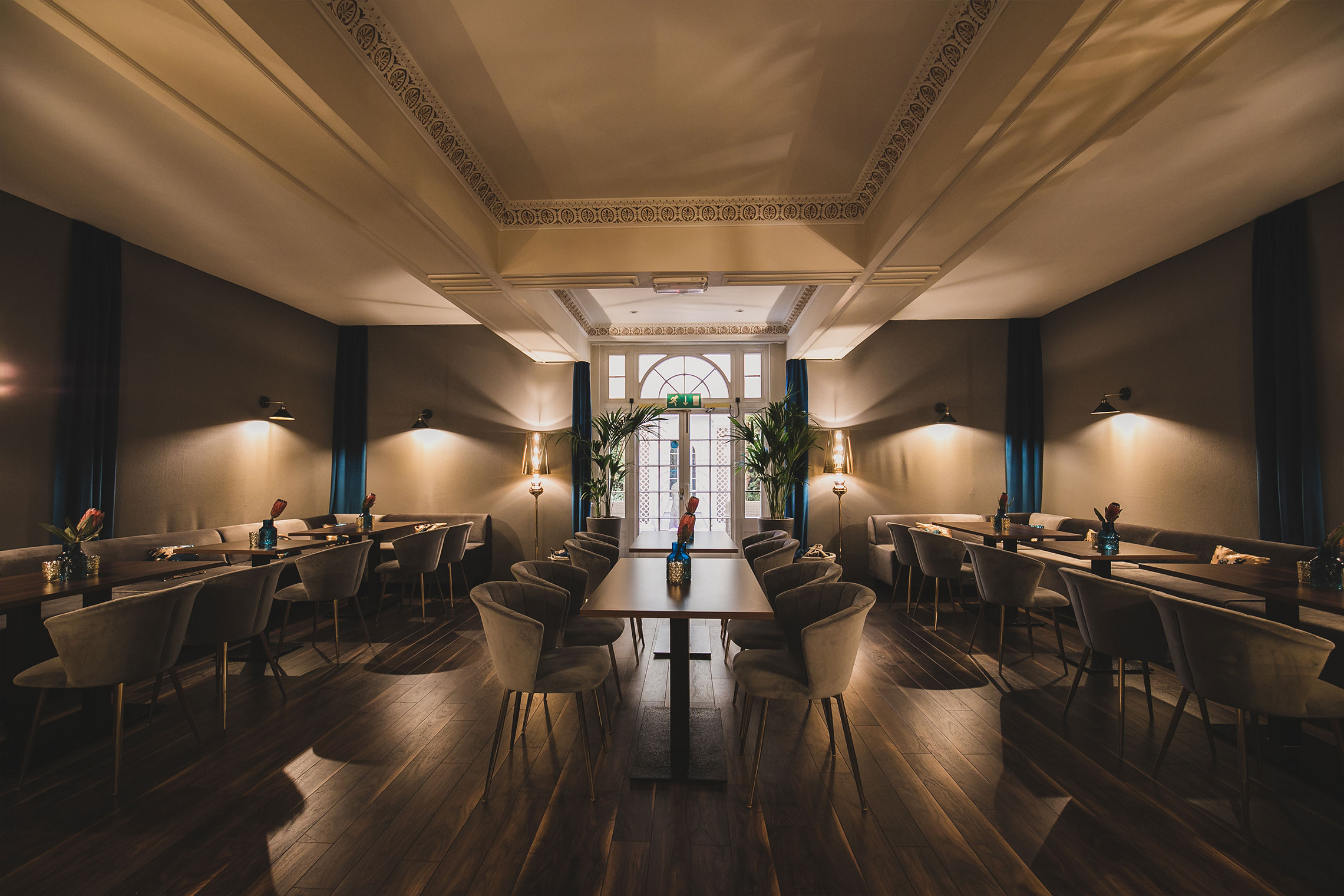 Cromwell's Fine Dining Extended